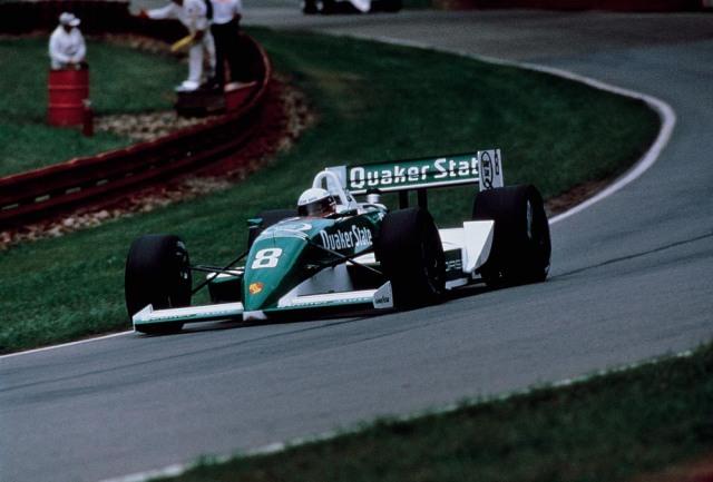 Тео Фаби на пути к единственной победе Porsche в истории ИндиКара. Мид-Огайо, 1989 год