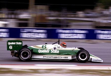 Эл Холберт за рулём Porsche в Майами, 1987
